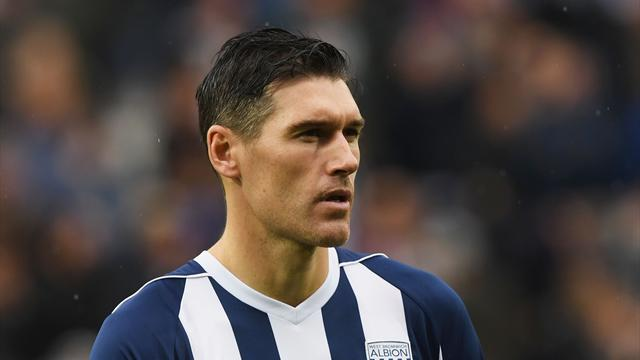 Gareth Barry makes record-breaking 633rd Premier League appearance