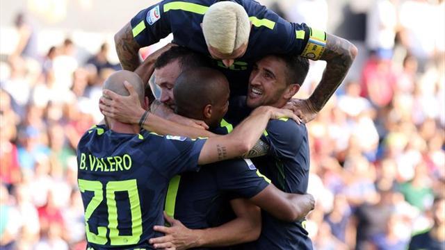 El Inter sufre, pero gana 2-0 en Crotone y se hace con el liderato en Italia