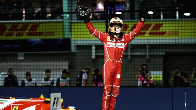 Sebastian Vettel torna in pole! A Singapore brilla la Ferrari davanti a Verstappen