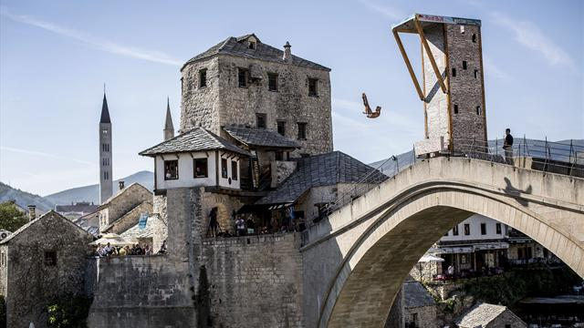 World Series grandi altezze: Hunt e Carlton vincono dal suggestivo ponte di Mostar
