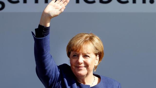 """Merkel afronta los comicios generales como """"un partido de fútbol decisivo"""""""