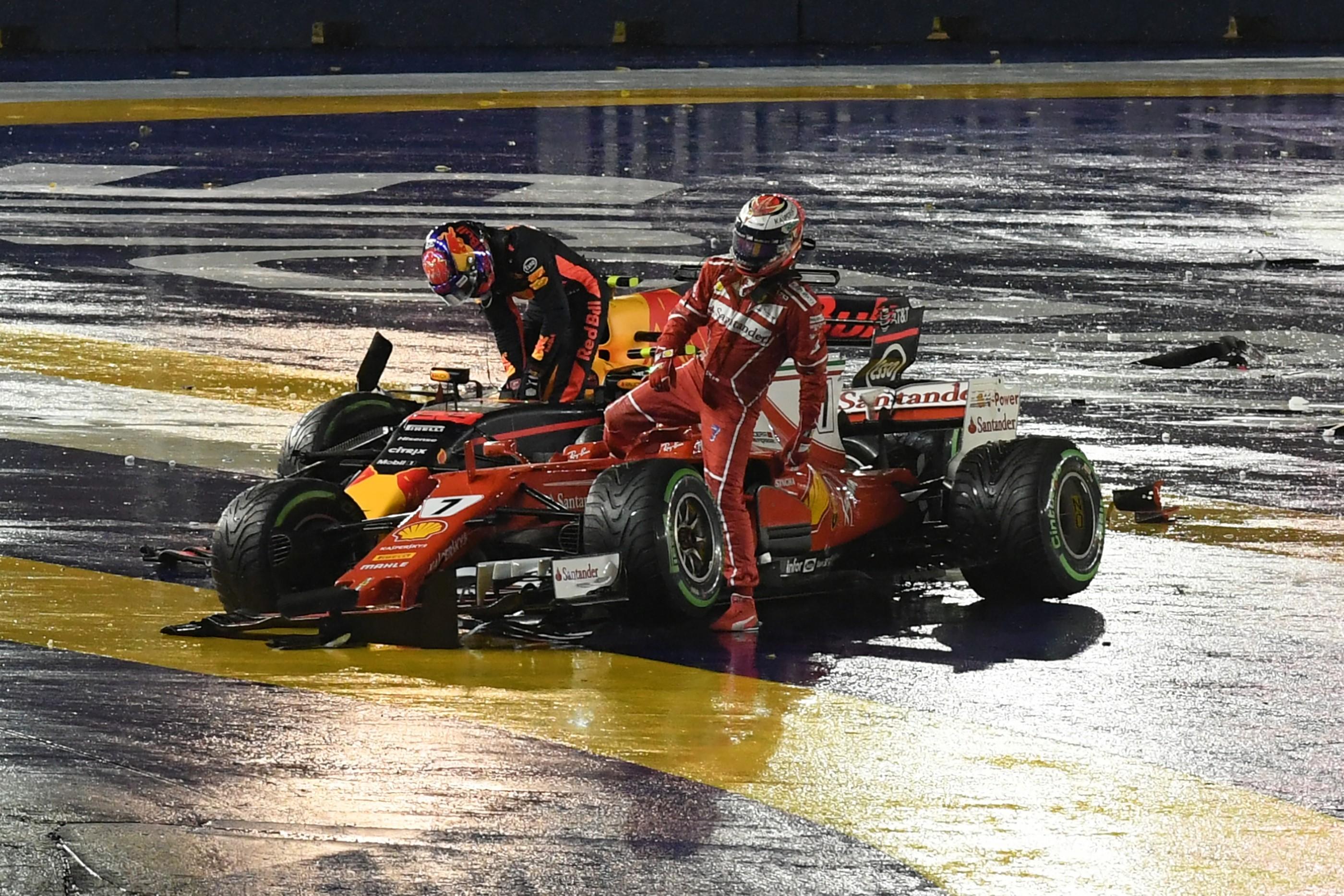 Kimi Räikkönen (Ferrari) et Daniel Ricciardo (Red Bull) au Grand Prix de Singapour 2017