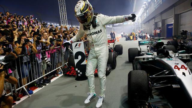 Hamilton zirveyi bırakmadı