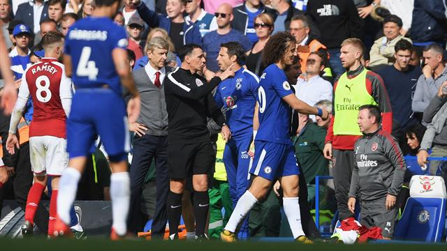 Disciplined Arsenal hold Chelsea as Luiz sees red