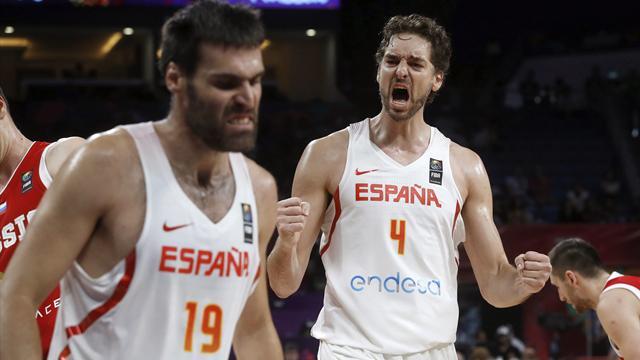 España se impone a Rusia (93-85) y despide a Juan Carlos Navarro con una medalla de bronce