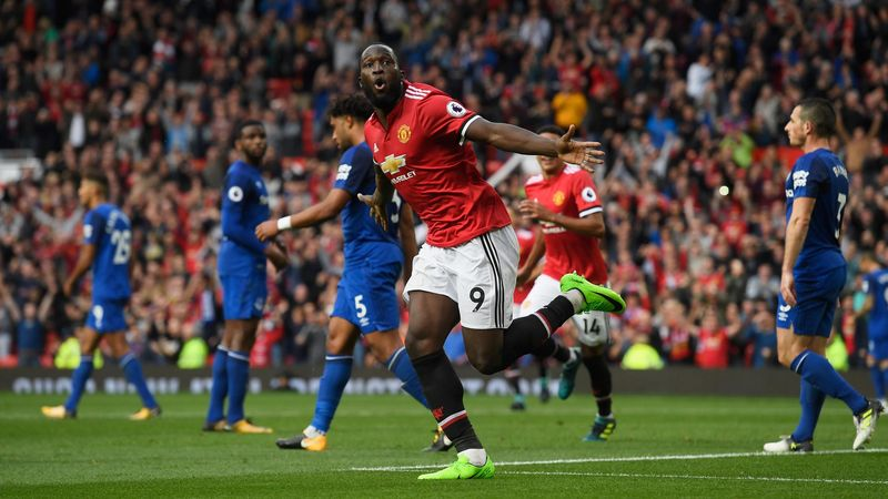 Romelu Lukaku celebrates scoring for Manchester United against Everton
