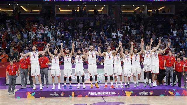 Rajoy celebra el bronce de la selección en el Eurobasket