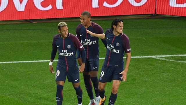 Two own-goals give PSG victory against Lyon