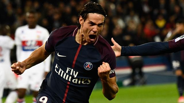 Cavani y Mbappé rescatan al PSG, líder, ante el Lyon (2-0)