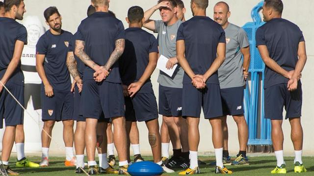 Barcelona goleó a Girona y conserva la punta en España