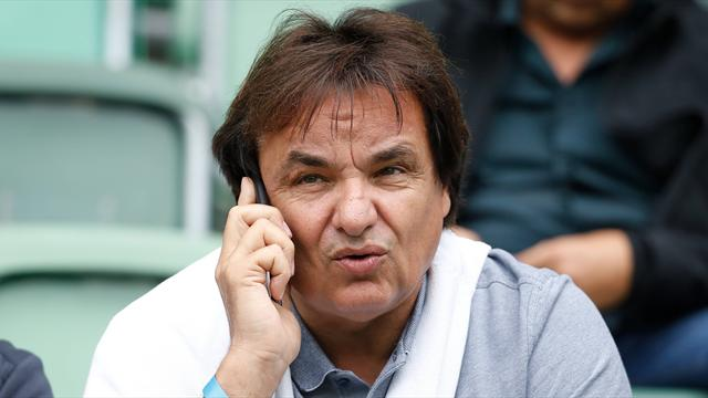 Президент футбольного клуба набросился скулаками наэкс-тренера сборной