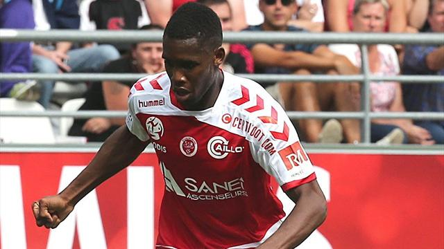 Reims solide leader, Sochaux coule