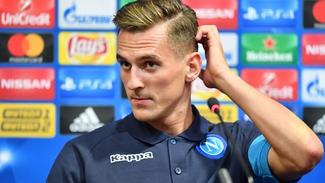 Napoli striker Milik out for four months after surgery