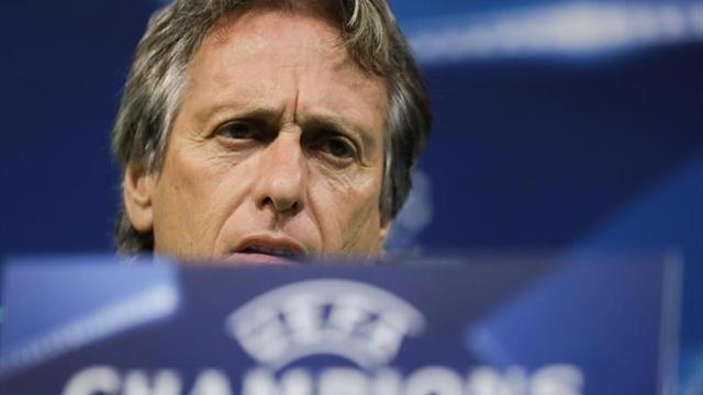 Ajustada victoria del Barcelona sobre Sporting Lisboa
