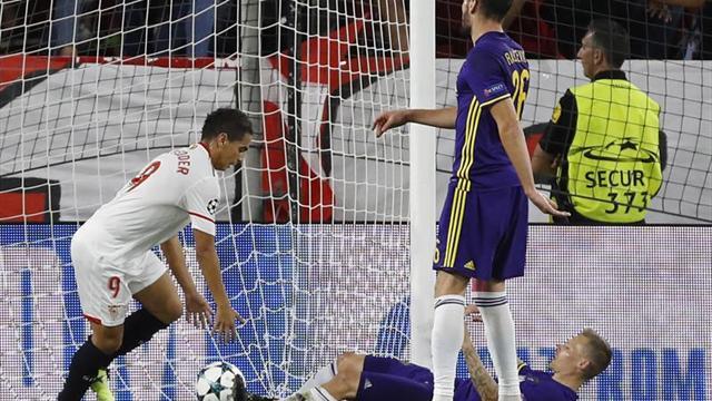 Un hat-trick de Ben Yedder le da la cima a Sevilla