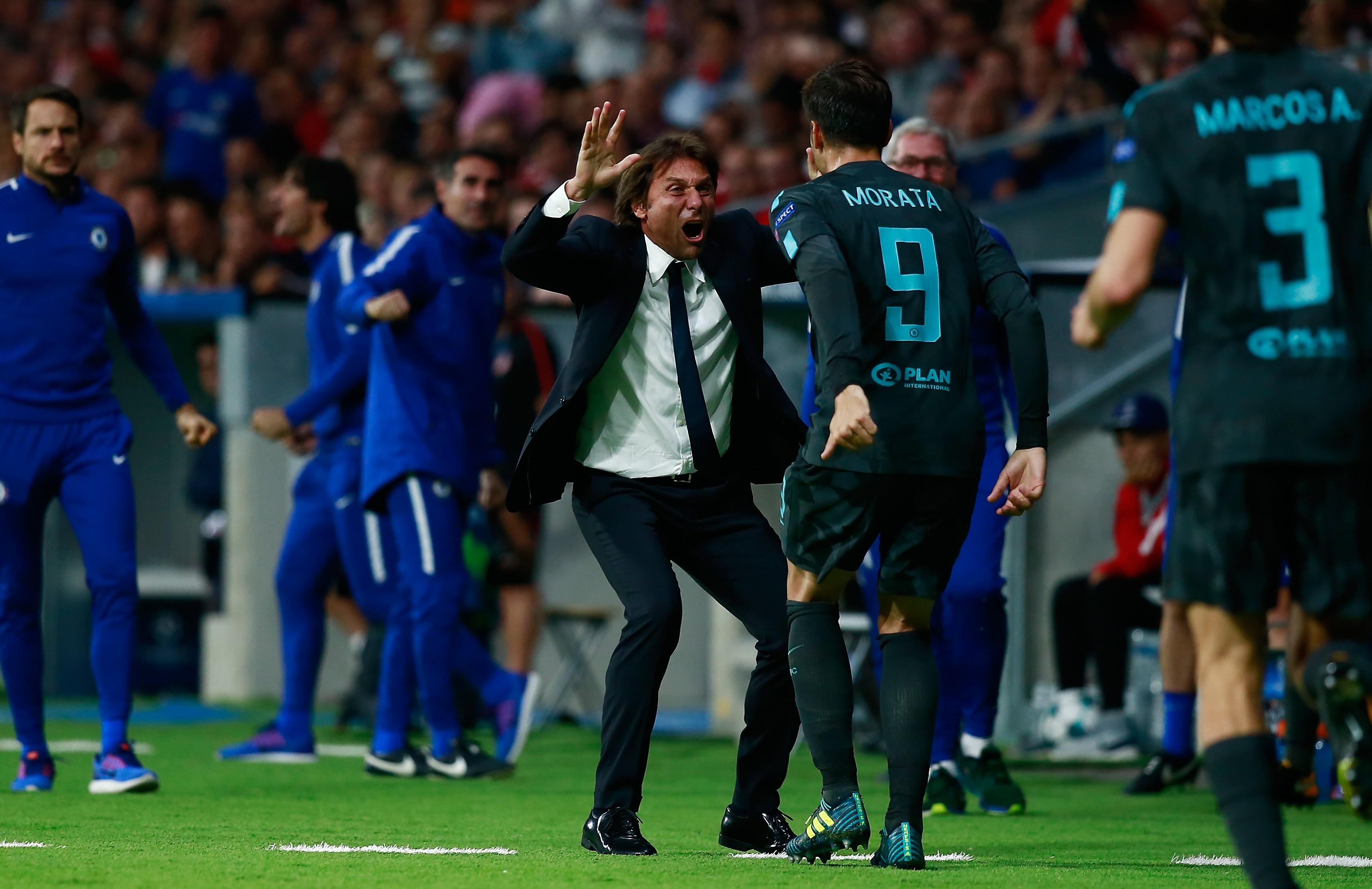 Conte y Morata celebran la victoria del Chelsea en el Metropolitano