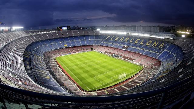 «Барселона» разгромила «Лас-Пальмас» вматче напустом стадионе