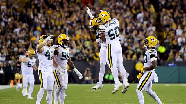 Banged-up Packers rout Bears 35-14