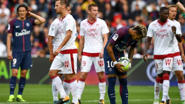 Un penalty pour le PSG ? C'est Neymar qui s'y est collé