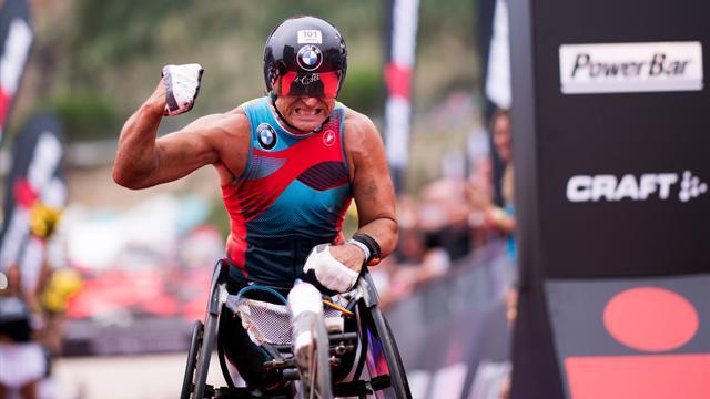 Record di Alex Zanardi nell'Iron Man: scende sotto il muro delle 9 ore a Barcellona