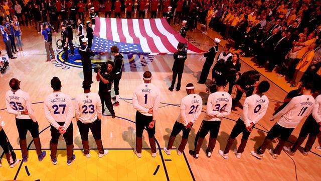 ESPN: НБА обязала баскетболистов и тренеров стоять во время гимна