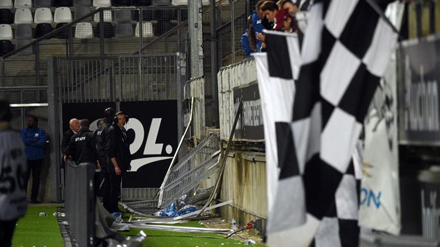 La barrière du stade de la Licorne était mal fixée