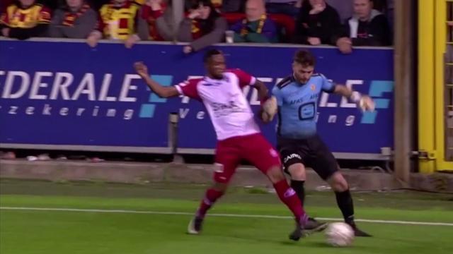 Бельгийский кипер пошел на угловой, пофинтил, потерял мяч, вернул его и выдал ассист