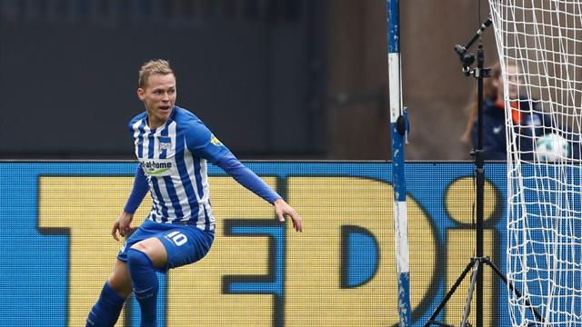 Hertha Berlin players kneel in solidarity with NFL