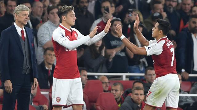 """""""Mesut Özil ve Alexis Sanchez devre arasında ayrılabilir"""""""