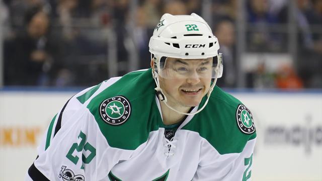 Чемпион НХЛ грозил  уничтожить  стюарда всамолете заотказ дать «коки»