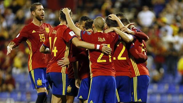 3-0. España se exhibe y certifica su billete para el Mundial