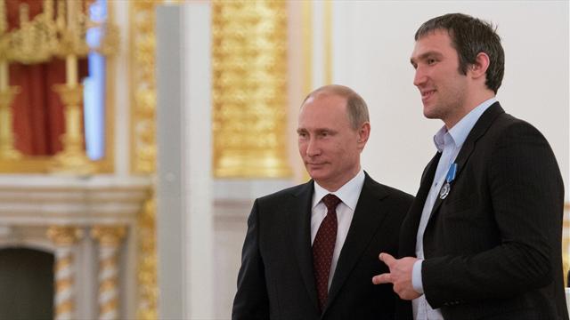 Овечкин записал поздравление Путину с 65-летием