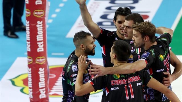 Supercoppa Italiana: Civitanova vola in finale, Juantorena e Sokolov stendono la nuova Modena