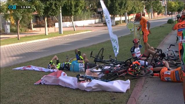 Tour de Turquía: Aparatosa caída masiva antes del esprint final de la primera etapa