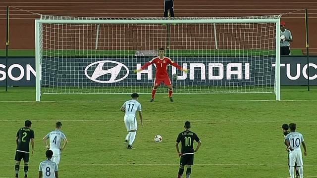 Jadon Sancho slots home penalty
