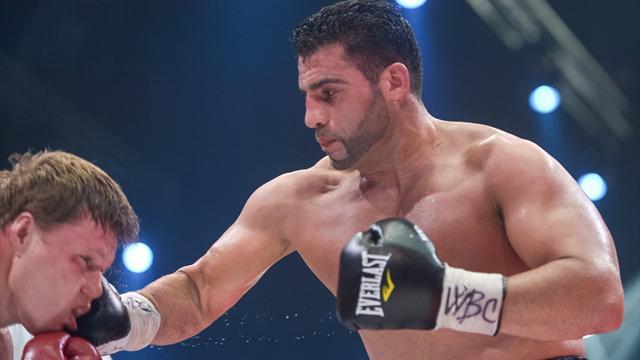 Nach Hüft-OP: Boxer Charr wieder im Ring