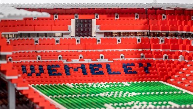Avere Wembley in camera da letto: la meraviglia degli stadi britannici in lego