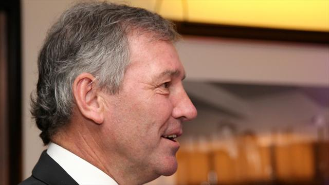 Bryan Robson hoping Manchester United take advantage of lax Liverpool defending