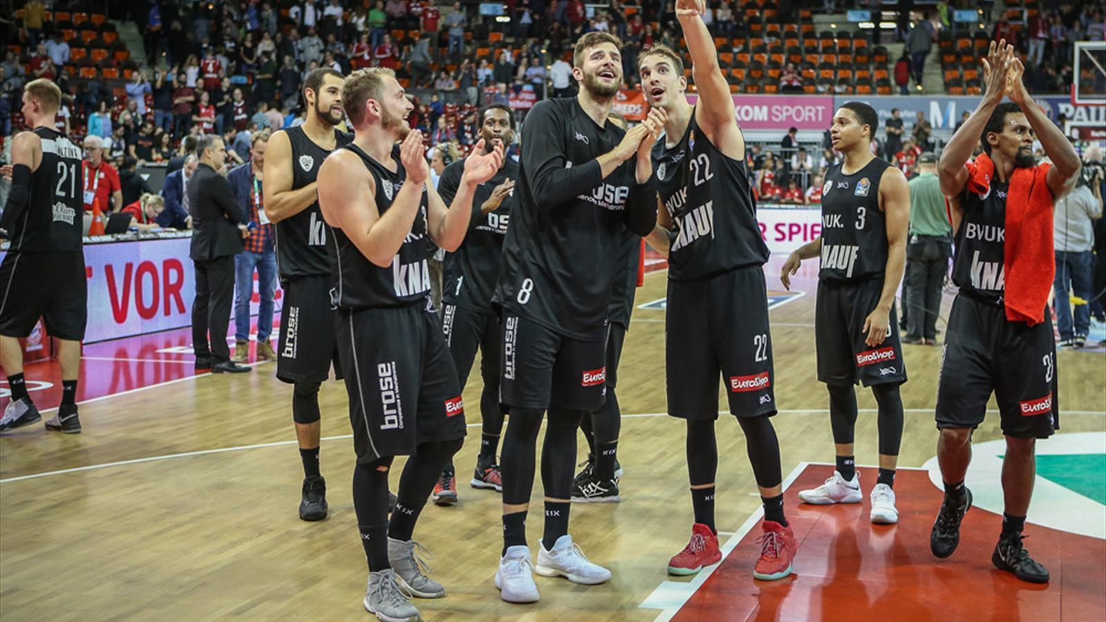 basketball w rzburg ungeschlagen spitze ulm gewinnt erstmals bundesliga 2017 2018. Black Bedroom Furniture Sets. Home Design Ideas