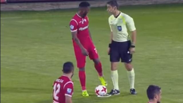 Футболист вытер ногу осудью и сразу забил гол
