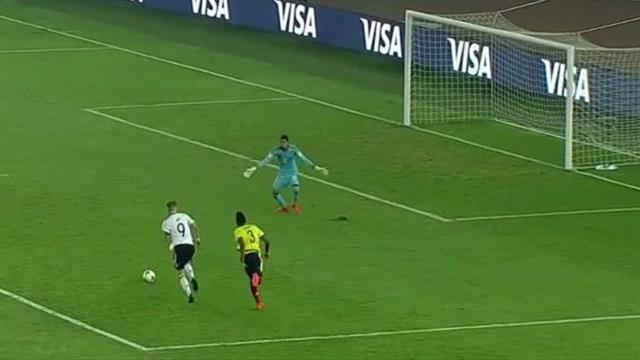 Technisch perfekt: Toller Heber von Arp im WM-Achtelfinale