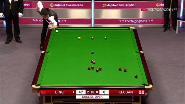 Ding fouls with bizarre red-pink-black combination
