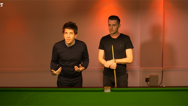 Mark Selby does the #SpinChallenge
