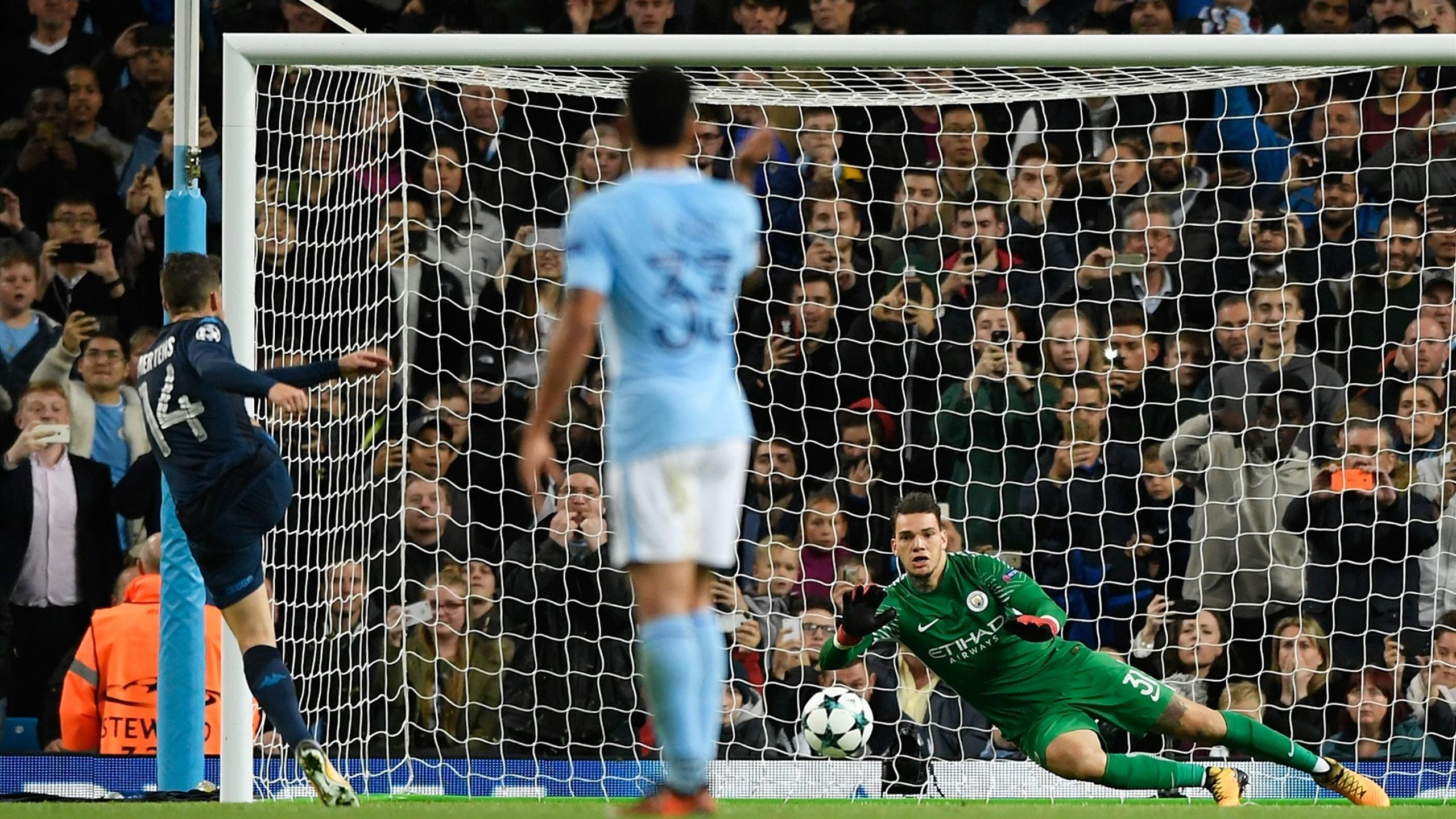 Il Napoli Soffre Per 30', Poi Spaventa Il Manchester City: 2-1 All'etihad