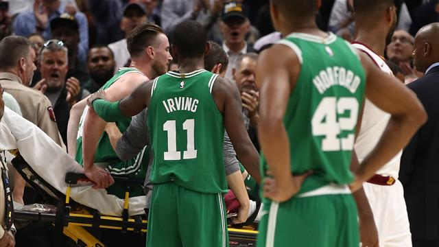Hayward fractures ankle in first appearance for Celtics