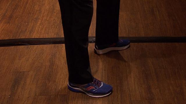 O'Sullivan wears controversial blue trainers