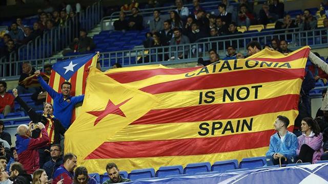 Con un gol escandaloso, Barcelona ganó y sigue puntero