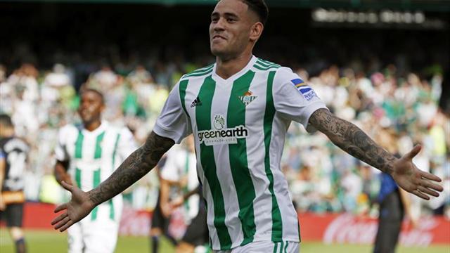 Andrés Guardado titular en victoria del Betis ante Alavés