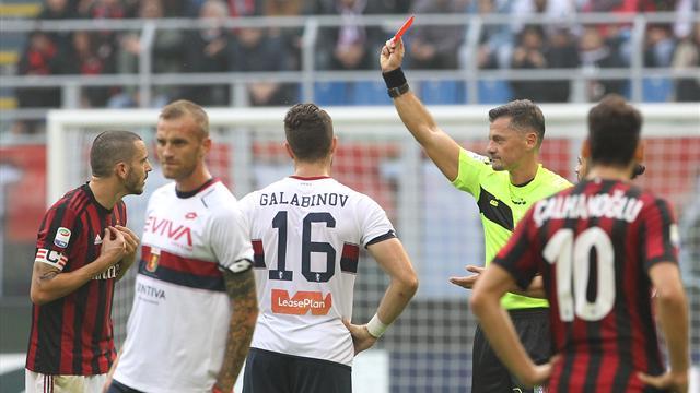 Футболист «Милана» Бонуччи был удален после применения системы видеопомощи арбитрам