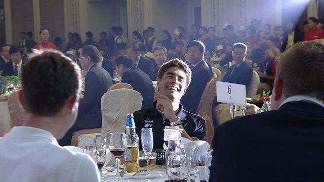 """Mikel Landa bromea en la gala de la UCI gritando: """"Free Landa!"""""""